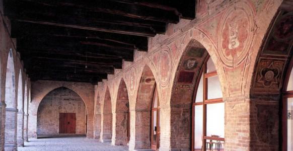Portico-lato-est